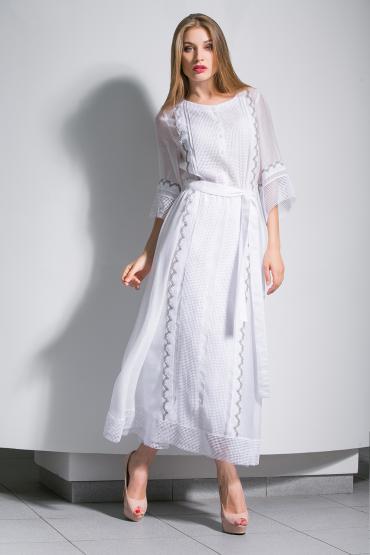 Воздушное платье с кружевом