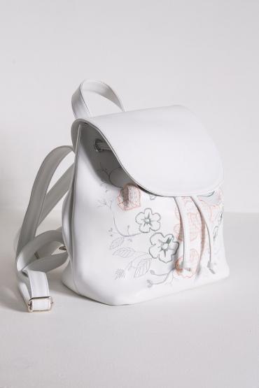 Рюкзак с вышивкой