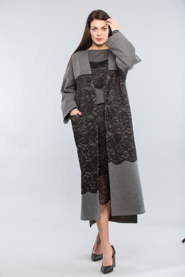 Пальто из шерсти с кружевом