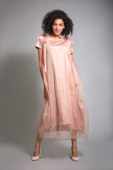 Атласное платье с накидкой