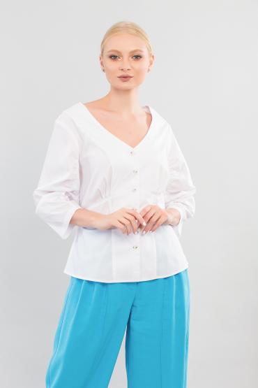Блуза с драпировками на рукавах
